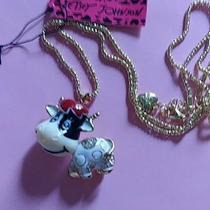 Super cute cow necklace NWT